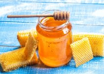 Can You Eat Raw Honey While Breastfeeding? Remember The Important Rule